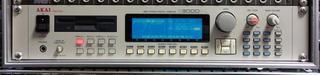 AKAI S3000XL バックライト交換