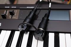 Quicco Sound  Mi.1 Cable & YAMAHA reface DX